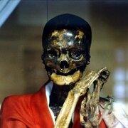 Momia de 200 años encontrada en Mongolia aún sigue con vida