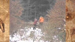 ¡Imposible! Graban a extraña niña levitando en Rusia