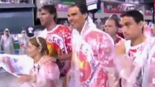 Rafael Nadal desfiló bajo intensa lluvia en carnaval de Río de Janeiro