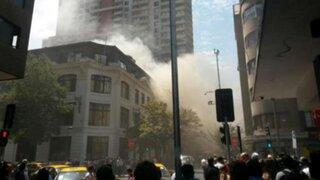 Reportan incendio en restaurante peruano ubicado en centro de Santiago de Chile