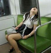FOTOS: Las más vergonzosas maneras de quedarse dormido en el transporte público