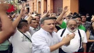 Tensión entre militantes del PPC en local de avenida Alfonso Ugarte