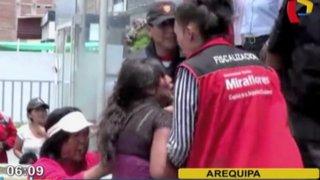 Arequipa: mujer arma escándalo al intentar impedir boda de su expareja