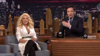 Espectáculo internacional: Cristina Aguilera imita a Shakira y Britney Spears