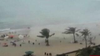 Brasil: tromba marina sorprendió a bañistas en playa de Recife