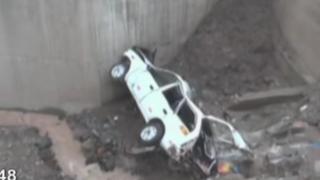 Caída de camioneta a riachuelo deja dos muertos y siete heridos en Ayacucho