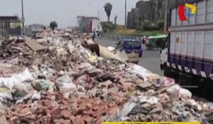 'Cerros' de basura en El Agustino y La Victoria: vecinos exigen solución a autoridades