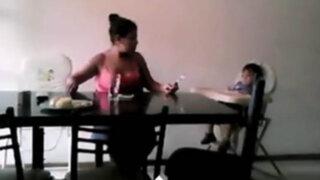 Indignantes imágenes: niñera golpea y deja sin comer a un bebé