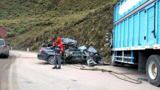 Huacho: seis personas murieron tras choque entre auto y camión