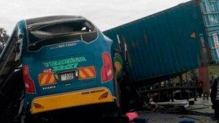 Choque entre autobús y camión deja más de 40 muertos en Tanzania