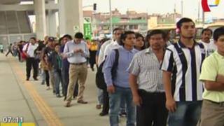 Caos en estación del Metro de Lima: se forman largas colas para usar el tren eléctrico