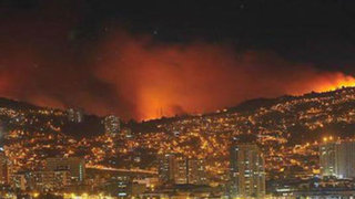 Chile: estado de catástrofe en Valparaíso y Viña del Mar por incendio forestal