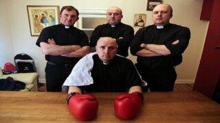 Irlanda: sacerdote se convierte en boxeador para recaudar fondos