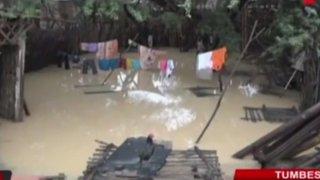 Calles quedan inundadas tras intensas lluvias registradas en Tumbes