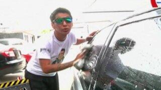 La Batería: Ojany se convirtió en lavador de autos junto a Carlos Barraza