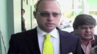 Rómulo León Romero es denunciado por tenencia ilegal de armas