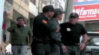 Abancay: policías se lían a golpes en plena vía pública