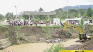 Junín: intensas lluvias inundan cultivos y afectan estribo de puente