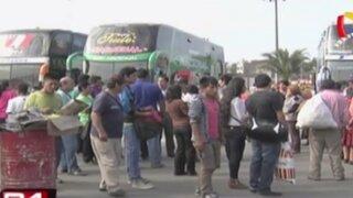 Prohíben salida de buses hacia la Carretera Central por bloqueos
