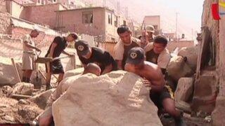 Soldados del Ejército ayudan a damnificados de Chosica y Santa Eulalia