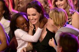 Kids Choice Awards: Angelina Jolie reapareció tras cirugía de ovarios