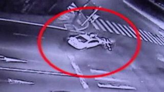 Taxista arrolla a motociclista en Santa Beatriz