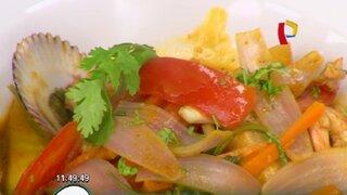 Aprende cómo cocinar un sudado de pescado con mariscos flameados