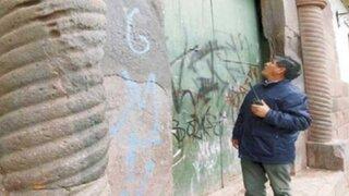 Detienen a ocho turistas por realizar pintas en Centro Histórico del Cusco