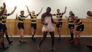Aguerridos jugadores de rugby parodian exitoso tema de Taylor Swift