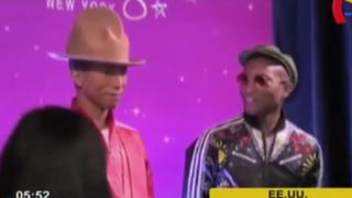 Cantante Pharrell Williams mostró su estatua de cera en conocido museo de EEUU