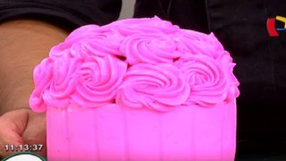 Aprende cómo decorar una torta en forma de cupcake en Lorena y Nicolasa
