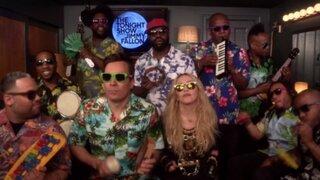Madonna y Jimmy Fallon cantaron entretenida versión de 'Holiday'