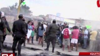 Iquitos: realizan violenta protesta por falta de mobiliario en centro educativo