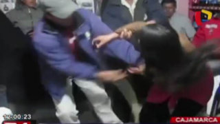Ronderos castigan a latigazos a joven que huyó de su casa con un hombre casado