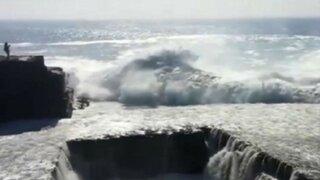 YouTube: mujer fue arrastrada por una gigantesca ola en Irlanda