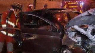 Auto se incendió en plena vía expresa de la avenida Javier Prado