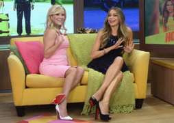 Reese Witherspoon bailó cumbia con Sofía Vergara en programa televisivo