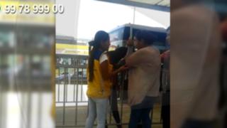 WhatsApp: mujeres se agarran de los pelos en estación del Metropolitano