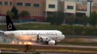 Avión de Turkish Airlines realiza aterrizaje de emergencia con motor ardiendo