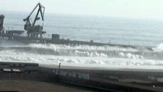 Fuerte maretazo en las playas del sur de Lima