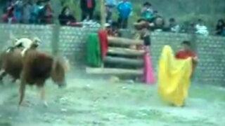 YouTube: maltratan perro durante fiesta de Virgen de la Asunción en Apurímac