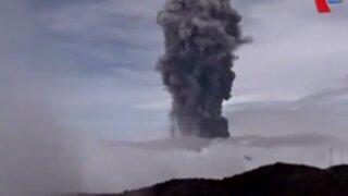 Costa Rica en alerta amarilla por erupción de volcán