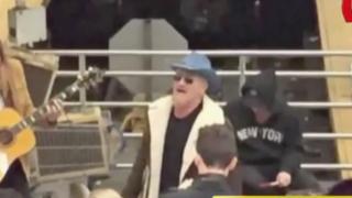 Banda U2 ofreció show gratuito en Metro de Nueva York