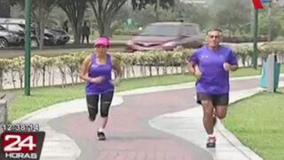 Atletas de la tercera edad: incansables corredores con entusiasmo y disciplina