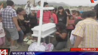 Muere niña que fue atacada por perro pitbull en Trujillo