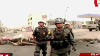 Islay: militares resguardan zonas estratégicas y policías desbloquean vías