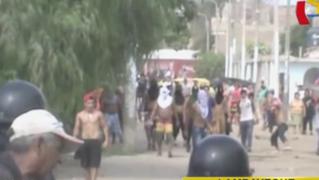 Lambayeque: trabajadores de empresa protestan e intentan tomar comisaría
