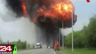 Impactantes imágenes: camión explosiona en una autopista de Rusia