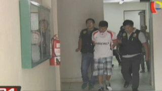Surco: vecinos atacan a sujeto acusado de violar a su hijastra de 14 años