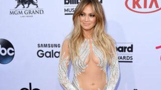 Jennifer López paraliza los Billboard 2015 con espectacular vestido transparente